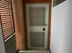 Apartamento En Venta En Caracas - Campo Alegre Código FLEX: 18-544 No.1