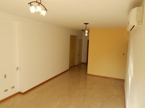 Apartamento En Venta En Caracas - Campo Alegre Código FLEX: 18-544 No.4