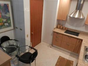 Apartamento En Venta En Caracas - Campo Alegre Código FLEX: 18-544 No.9
