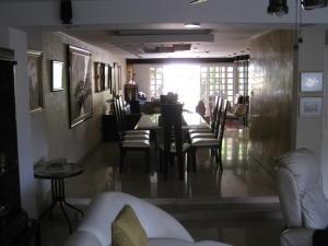 Townhouse En Alquiler En Caracas En La Alameda - Código: 18-555