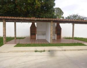 Townhouse En Venta En Maracay En El Limon - Código: 18-569