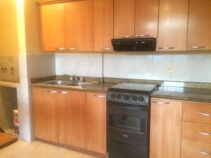 Apartamento En Alquileren Maracaibo, Avenida Milagro Norte, Venezuela, VE RAH: 18-587