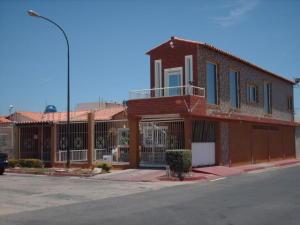 Casa En Ventaen Punto Fijo, Puerta Maraven, Venezuela, VE RAH: 18-671