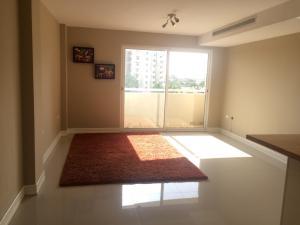 Apartamento En Alquileren Maracaibo, Avenida Milagro Norte, Venezuela, VE RAH: 18-694