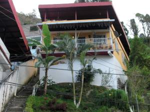 Casa En Ventaen Municipio Los Salias, Mirador Panamericano, Venezuela, VE RAH: 18-701