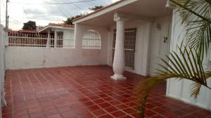 Casa En Venta En Maracay - Fundacion Mendoza Código FLEX: 18-738 No.1