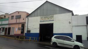 Local Comercial En Ventaen Los Teques, Municipio Guaicaipuro, Venezuela, VE RAH: 18-747