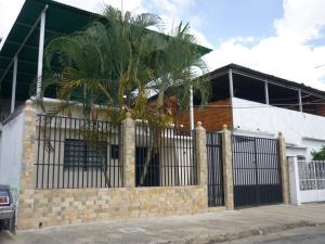 Casa En Ventaen Maracay, El Limon, Venezuela, VE RAH: 18-750