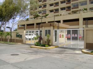 Apartamento En Ventaen Maracaibo, Avenida El Milagro, Venezuela, VE RAH: 18-752