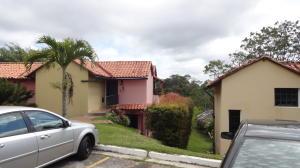 Townhouse En Ventaen Caracas, Monte Claro, Venezuela, VE RAH: 18-786