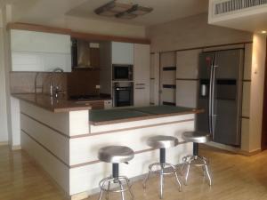 Apartamento En Alquileren Maracaibo, La Lago, Venezuela, VE RAH: 18-847