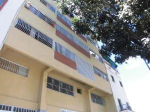 Apartamento En Venta En Caracas - Parroquia Santa Rosalia Código FLEX: 18-983 No.0