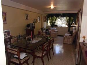 Apartamento En Venta En Caracas - Parroquia Santa Rosalia Código FLEX: 18-983 No.1