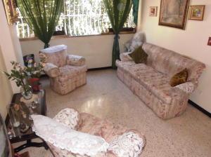 Apartamento En Venta En Caracas - Parroquia Santa Rosalia Código FLEX: 18-983 No.2