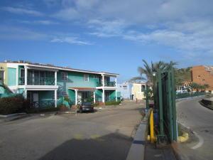 Apartamento En Ventaen Margarita, Pampatar, Venezuela, VE RAH: 18-874