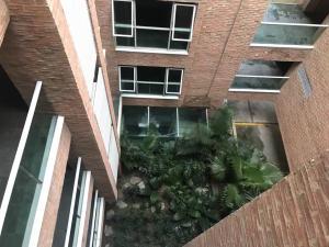 En Venta En Caracas - Los Naranjos de Las Mercedes Código FLEX: 18-890 No.15