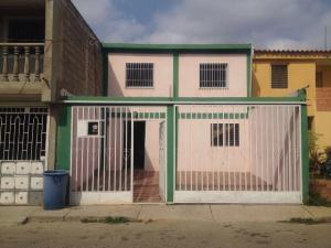 Casa En Ventaen Barquisimeto, Parroquia El Cuji, Venezuela, VE RAH: 18-893
