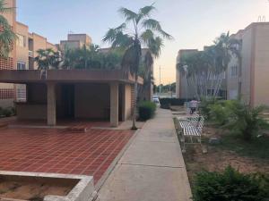 Apartamento En Ventaen Maracaibo, Cumbres De Maracaibo, Venezuela, VE RAH: 18-944