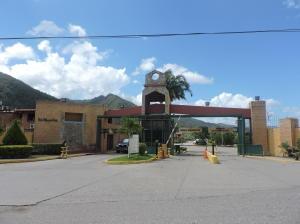 Townhouse En Ventaen Guatire, Villa Del Este, Venezuela, VE RAH: 18-1020