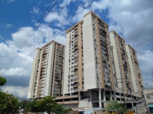 Apartamento En Ventaen Maracay, Avenida Constitucion, Venezuela, VE RAH: 18-945