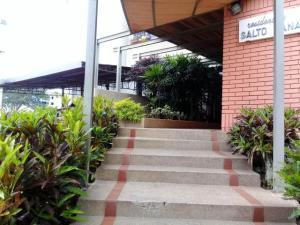 Apartamento En Venta En Caracas - Cumbres de Curumo Código FLEX: 18-984 No.2