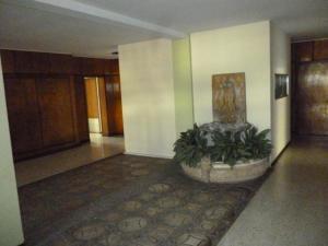 Apartamento En Venta En Caracas - Cumbres de Curumo Código FLEX: 18-984 No.5