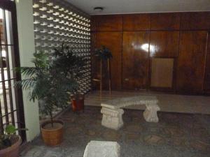Apartamento En Venta En Caracas - Cumbres de Curumo Código FLEX: 18-984 No.6