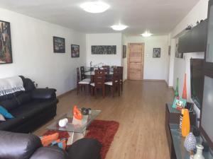 Apartamento En Venta En Caracas - Cumbres de Curumo Código FLEX: 18-984 No.8
