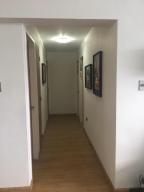 Apartamento En Venta En Caracas - Cumbres de Curumo Código FLEX: 18-984 No.11