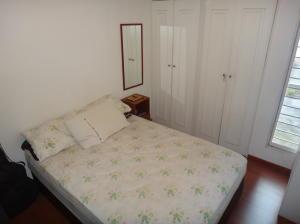 Apartamento En Venta En Caracas - Lomas del Avila Código FLEX: 18-1001 No.9
