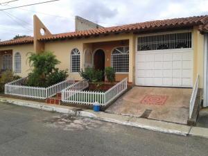Casa En Ventaen Cabudare, Parroquia José Gregorio, Venezuela, VE RAH: 18-1019