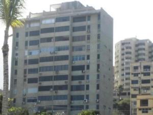Apartamento En Ventaen Catia La Mar, Playa Grande, Venezuela, VE RAH: 18-1890