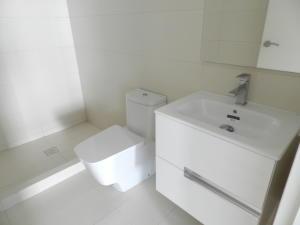 Apartamento En Venta En Caracas - Campo Alegre Código FLEX: 18-1259 No.17