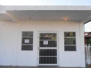 Local Comercial En Alquileren Ciudad Ojeda, Cristobal Colon, Venezuela, VE RAH: 18-1403