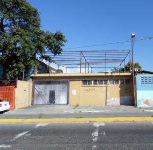 Galpon - Deposito En Ventaen Barquisimeto, Parroquia Juan De Villegas, Venezuela, VE RAH: 18-1294