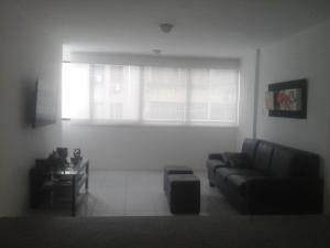 En Venta En Caracas - La Trinidad Código FLEX: 18-1572 No.4