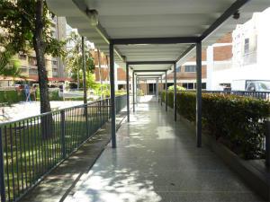En Venta En Caracas - Los Palos Grandes Código FLEX: 18-1329 No.1