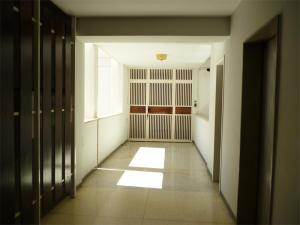 En Venta En Caracas - Los Palos Grandes Código FLEX: 18-1329 No.4