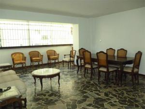En Venta En Caracas - Los Palos Grandes Código FLEX: 18-1329 No.5