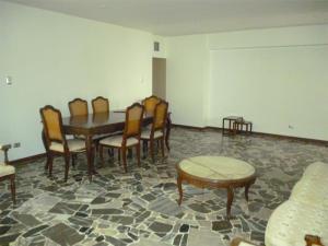 En Venta En Caracas - Los Palos Grandes Código FLEX: 18-1329 No.6