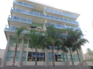 Apartamento En Ventaen Caracas, Campo Alegre, Venezuela, VE RAH: 18-1333