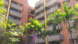 Apartamento En Ventaen Caracas, Campo Alegre, Venezuela, VE RAH: 18-1381