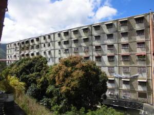 Apartamento En Ventaen Caracas, Caricuao, Venezuela, VE RAH: 18-1405