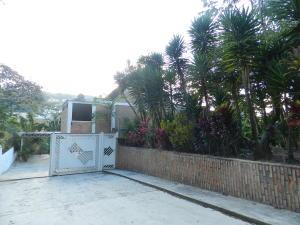 Casa En Venta En Caracas - Oripoto Código FLEX: 18-1412 No.1