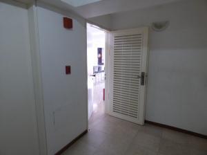 En Venta En Caracas - La Bonita Código FLEX: 18-1490 No.13