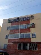 Apartamento En Ventaen Santa Teresa, La Raiza, Venezuela, VE RAH: 18-1493