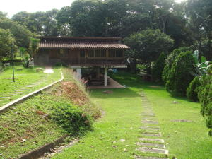 Casa En Ventaen Santa Lucia, Santa Lucia, Venezuela, VE RAH: 18-1575