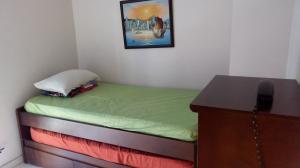 Apartamento En Venta En Caracas - Los Palos Grandes Código FLEX: 18-1577 No.14