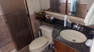 Apartamento En Venta En Caracas - Los Palos Grandes Código FLEX: 18-1577 No.15