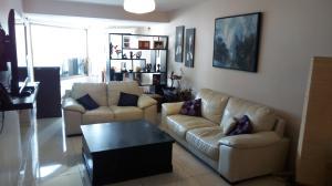 Apartamento En Venta En Caracas - Los Palos Grandes Código FLEX: 18-1577 No.1